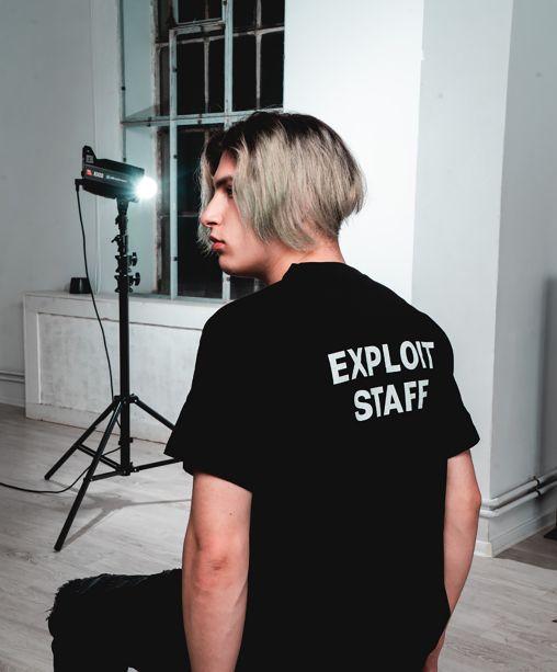 Tricou Exploit Staff