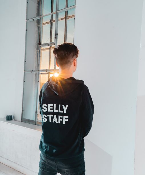 Hanorac Selly Staff